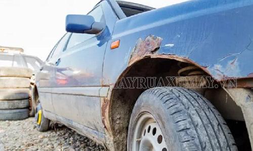 Rửa xe bằng nước giếng khoan có thể làm xe bị gỉ sét