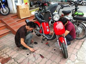 Rửa xe đạp điện xong không khi được có thể do acquy xe bị vào nước