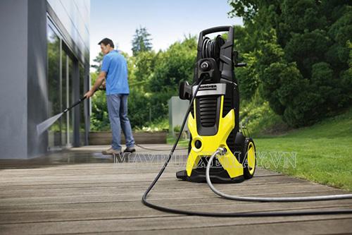 Máy rửa xe gia đình Karcher chuyên vệ sinh xe cộ, tường nhà, sàn nhà,...
