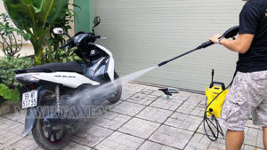 Rửa xe máy định kỳ đảm bảo được độ bền và vẻ đẹp của xe