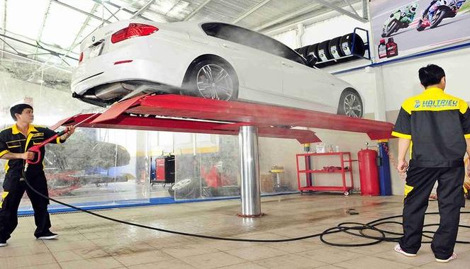 Cách rửa xe ô tô an toàn