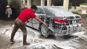 Rửa xe không chạm là hình thức rửa xe công nghệ cao hiện đại
