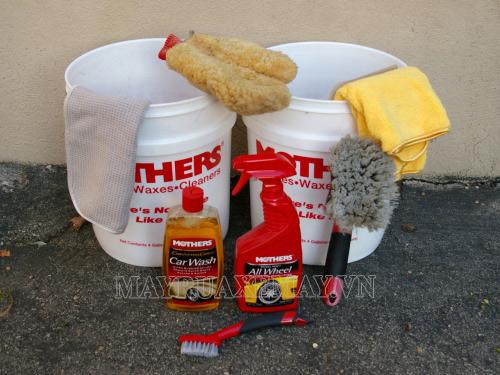 Chuẩn bị đầy đủ dụng cụ trước khi rửa xe Exciter