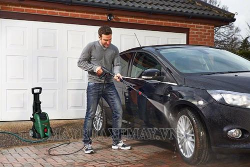 Máy rửa xe mini Bosch được đông đảo người dùng Việt ưa chuộng