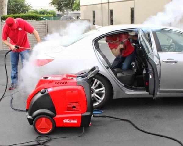 Máy rửa xe hơi nước nóng