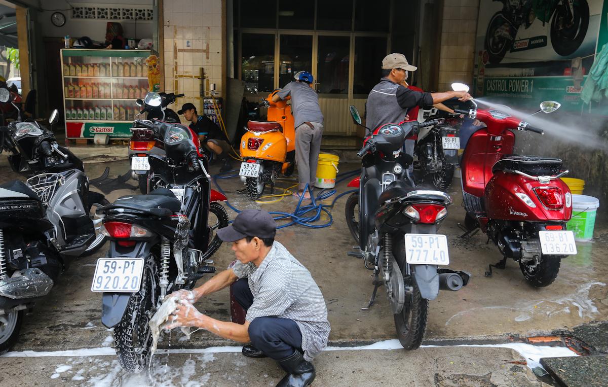 Mở tiệm rửa xe máy kinh doanh 1 vốn 4 lời