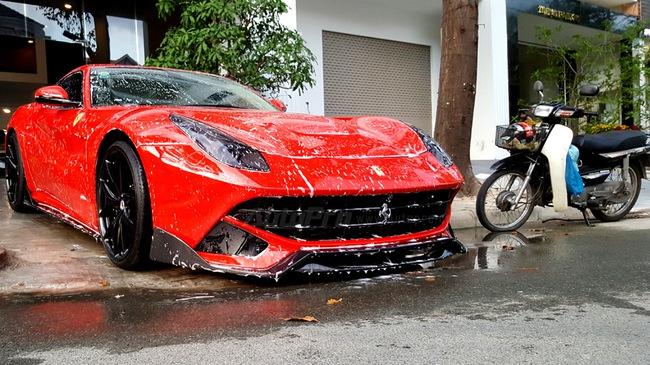 Rửa xe ngay sau khi đi mưa