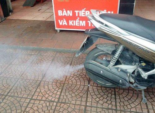 Xe máy ăn xăng nhiều vì lý do gì?