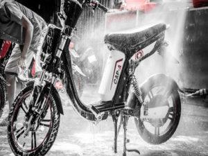 Hướng dẫn rửa xe đạp điện đúng cách 2