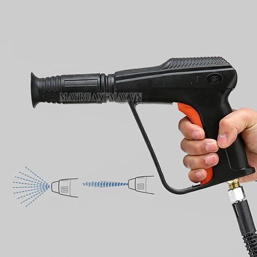 Súng phun là phụ kiện quan trọng của máy rửa xe