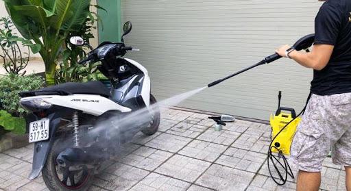 Cách chọn mua máy rửa xe gia đình phù hợp với nhu cầu sử dụng nhất