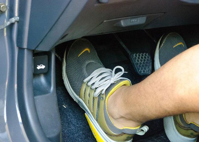thói quenlàm xe ô tô nhanh hỏng