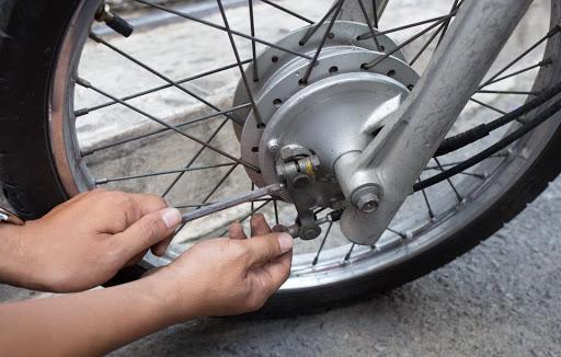 Phanh là bộ phận quan trọng của xe máy cần chú ý bảo dưỡng