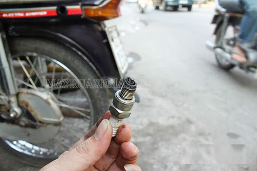 nguyên nhân xe máy ăn dầu