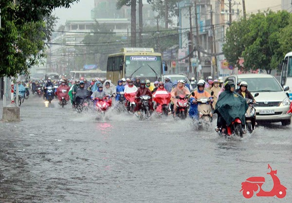 xe máy bị ngập nước có sao không