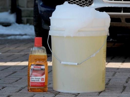 Cách pha nước rửa xe đơn giản, dễ thực hiện