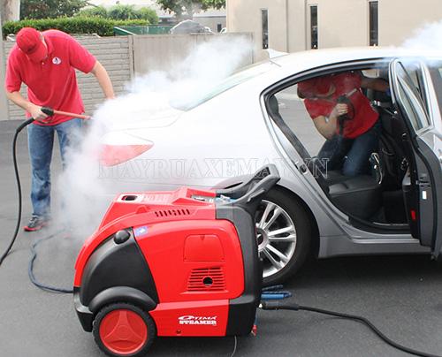 Máy rửa xe hơi nước nóng giá bao nhiêu?