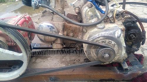 Máy rửa xe không lên nước do động cơ bị bẩn
