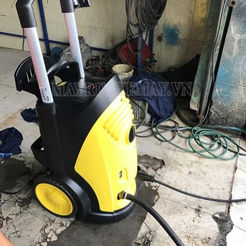 Máy rửa xe karcher được sử dụng rộng rãi tại các tiệm rửa xe chuyên nghiệp
