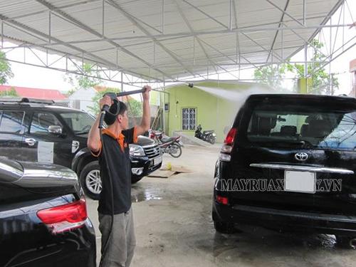 máy rửa xe cao áp đáng mua nhất