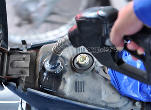 cách xử lý xe máy ăn xăng