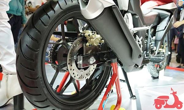 khắc phục xe máy bị kẹt thắng sau ra sao