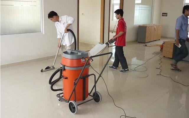Đội ngũ công nhân chuyên nghiệp tại Nhà Việt