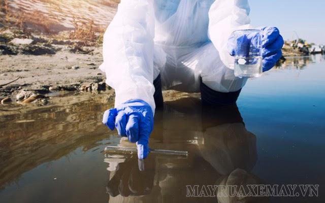 ô nhiễm nguồn nước sinh học