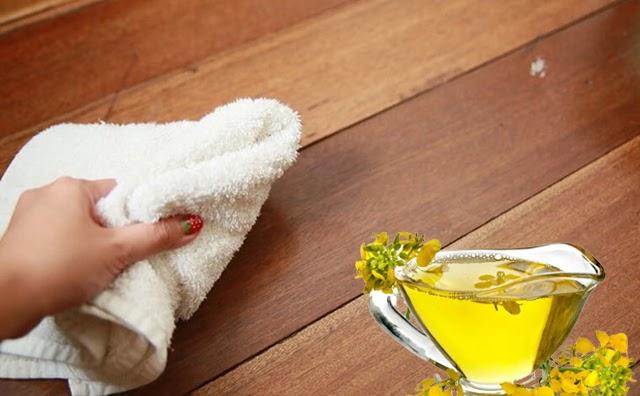 Cách làm sạch keo dính chuột bằng dầu ăn