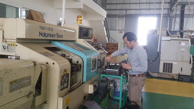 Kiểm tra và vệ sinh sạch sẽ máy CNC